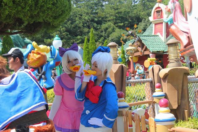 Tokyo Disneyland Disney Halloween Costume Cosplay Daisy and Donald Duck