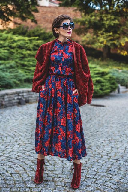 Midi sukienka w jesiennych kolorach
