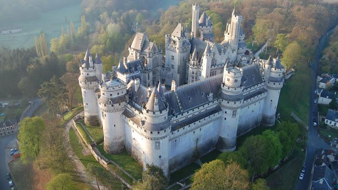 Wallpaper: Pierrefonds Castle