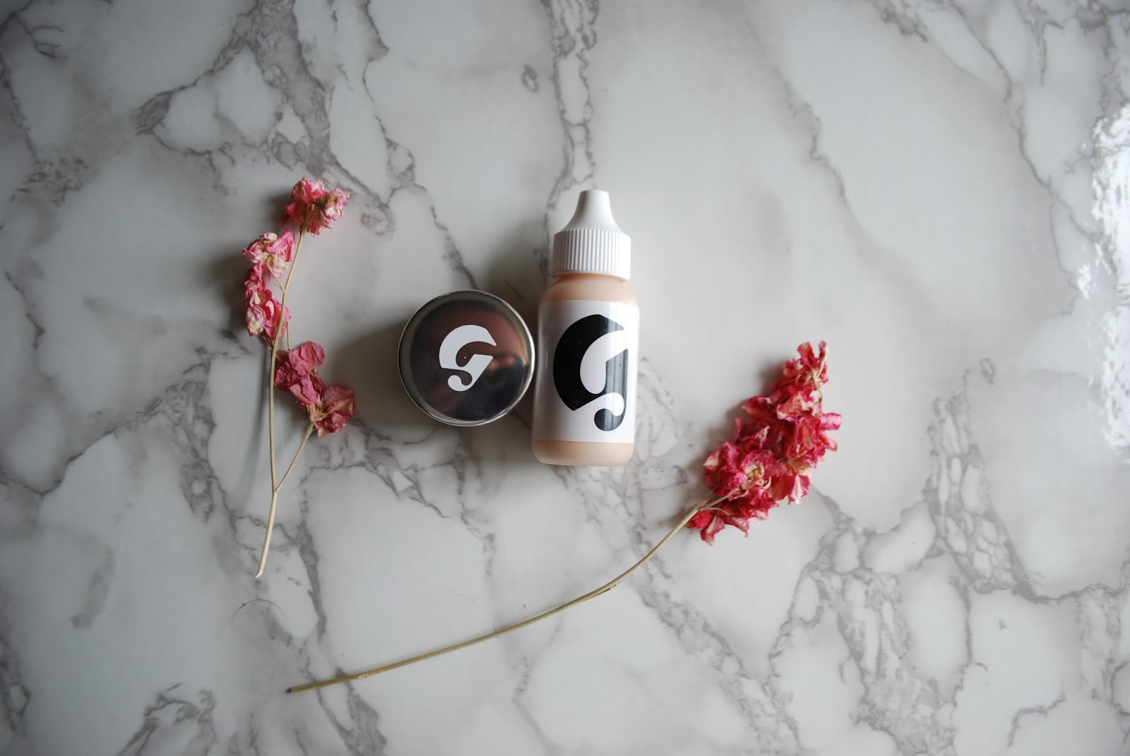 glossier perfection skin tint glossier stretch concealer review