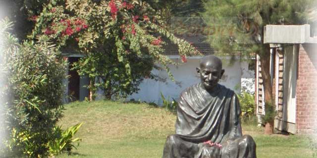 Gandhi in the museum deshkaal