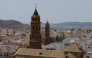 Vista de Antequera desde el Arco de los Gigantes.