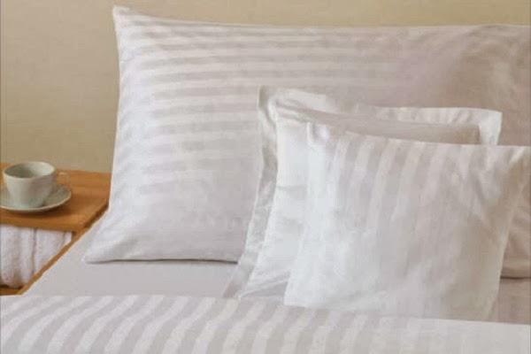 Lenjerie de pat damasc alb pentru hotel preturi-Lenjerii de pat damasc-Lenjerii bumbac satinat, lenjerii-de-pat-damasc-in-dungi