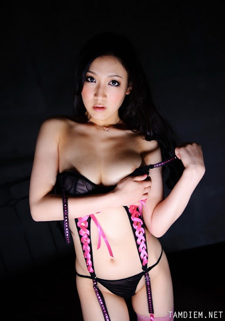 Hot girls Sasaki sexy with thin Bikini