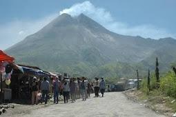 Warga Di Evakuasi, Gunung Merapi Jogjakarta Kembali Erupsi Freatik.
