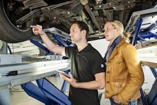 La reparación de vehículos, uno de los sectores que más trabajadores autónomos aglutina
