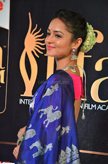 Shanvi Looks Super Cute in Pink Backless Choli Blue Saree at IIFA Utsavam Awards 2017 20.JPG