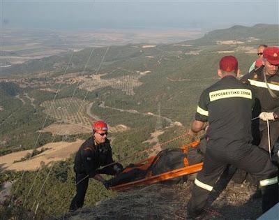 ΙΧ έπεσε σε χαράδρα 100 μέτρων στο Στροβίλι Σαγιάδας – Νεκρός ανασύρθηκε ο οδηγός