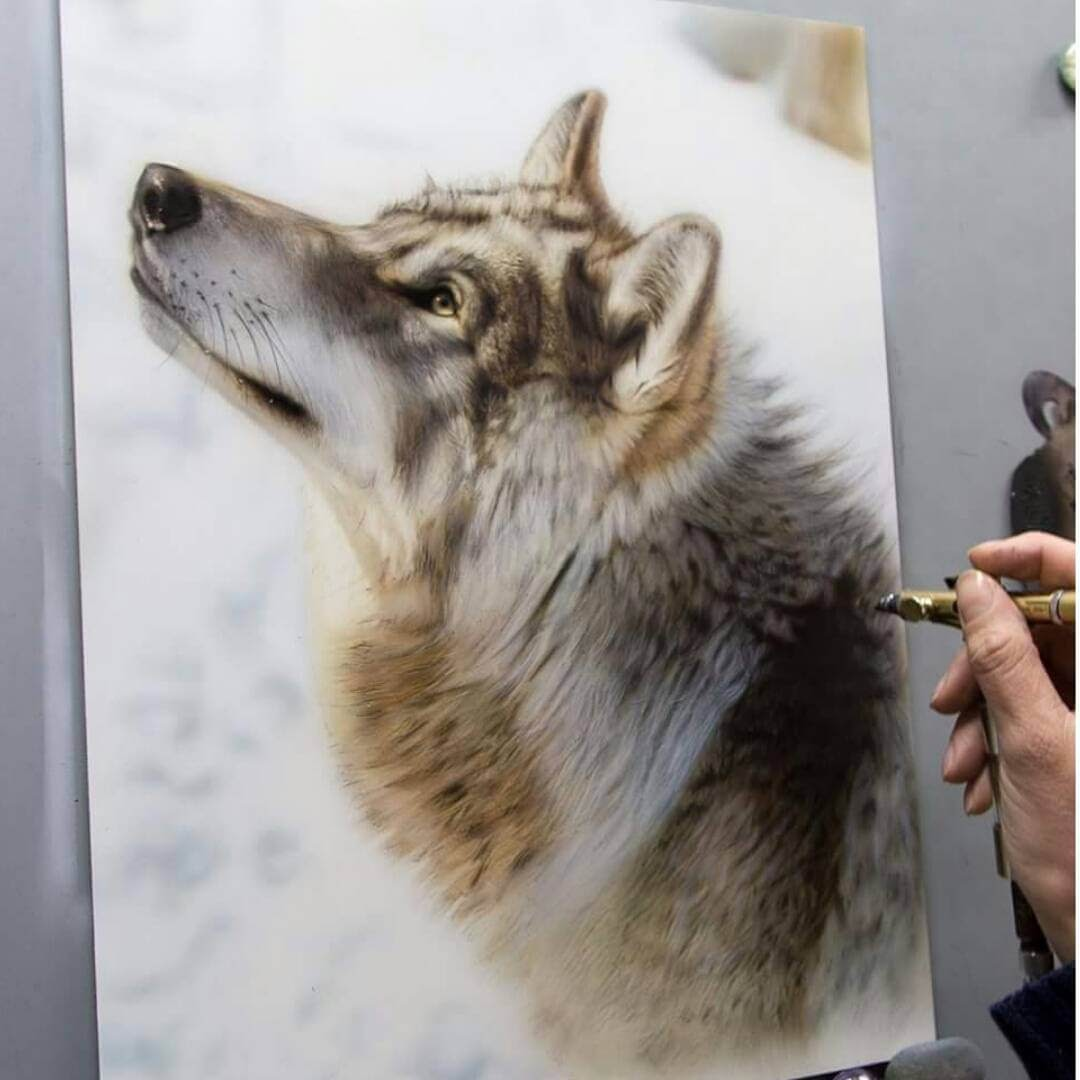 07-Wolf-M-Oosterlee-Realistic-Airbrush-Animal-Paintings-www-designstack-co
