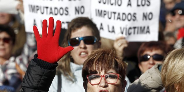 Los miembros de 'La Manada', condenados a 9 años por abuso sexual, no por violación