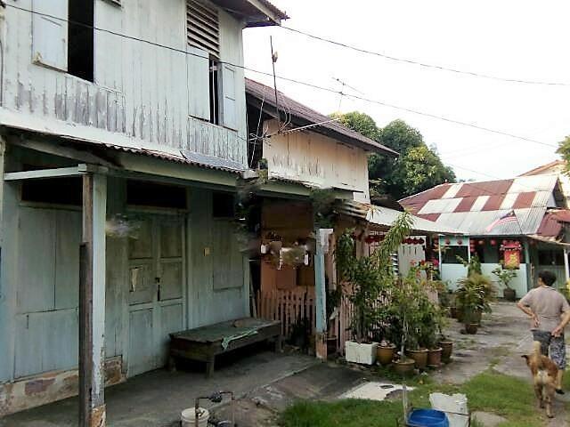 beautiful wooden house in malaysia 10