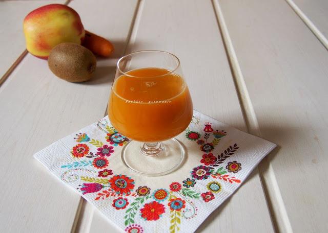 Sok marchwiowo-owocowy z sokowirówki