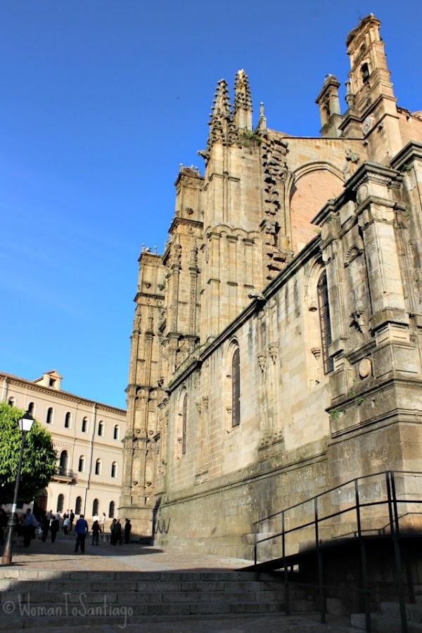 foto de la catedral y plaza mayor