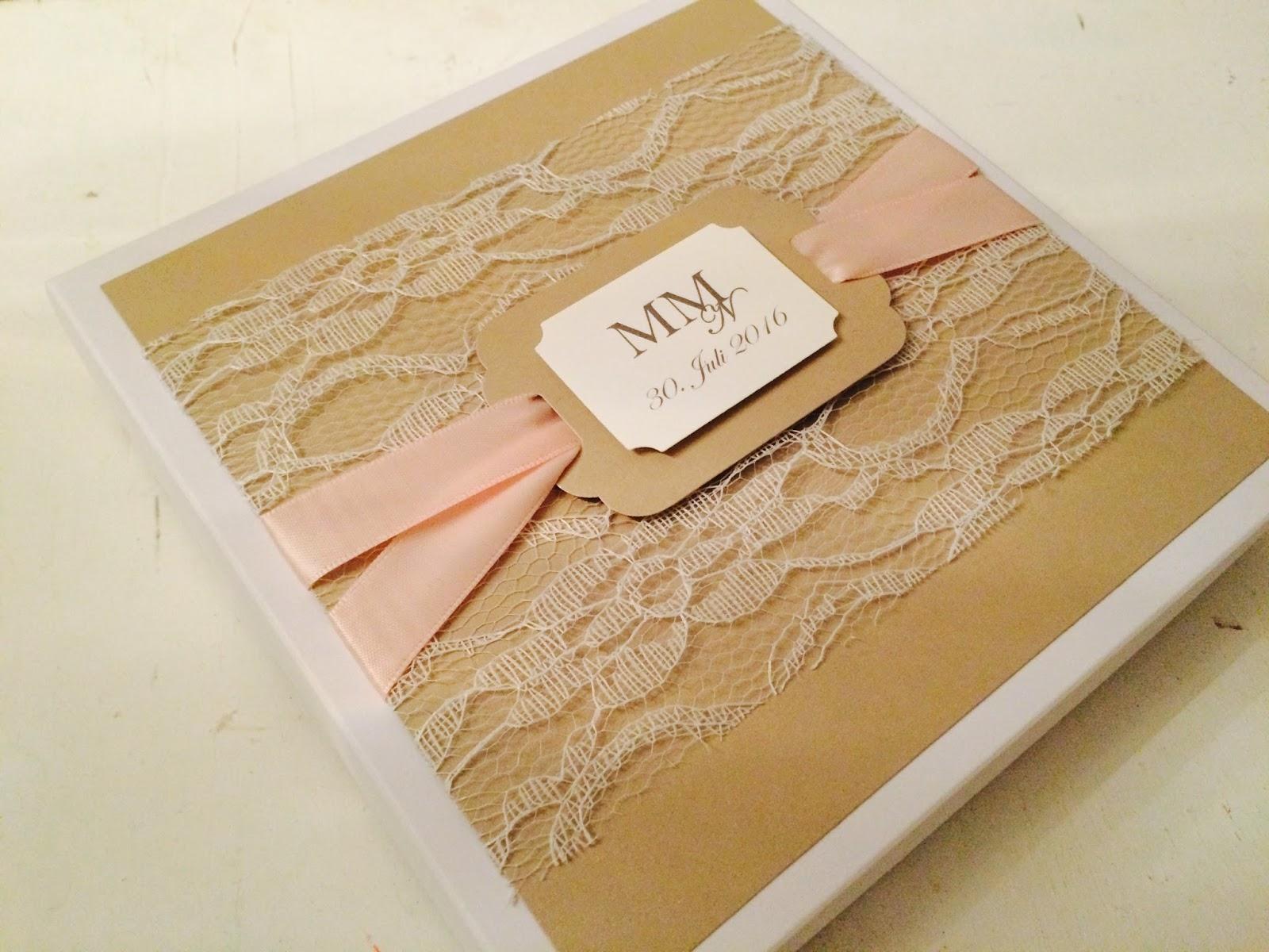 Eine Exklusive Schachtel, Spitze U0026 Ein Hochzeitsmonogramm