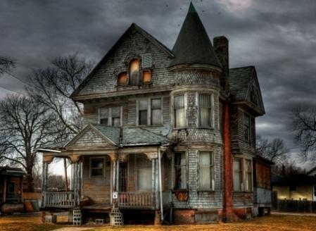 Tanda-tanda dan Ciri Rumah Berhantu Dan Angker