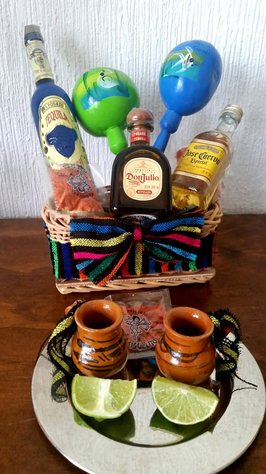 You Can T Forget Some Favors For Your Guests Like This Mini Tequila Bottles It Is A Great Gift And Something Representative Several Of Our S Ask Us