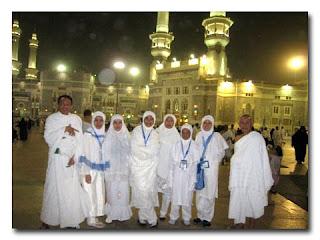 """Beruntung Yang Dapat """"Hadiah"""" Porsi Haji 2011"""