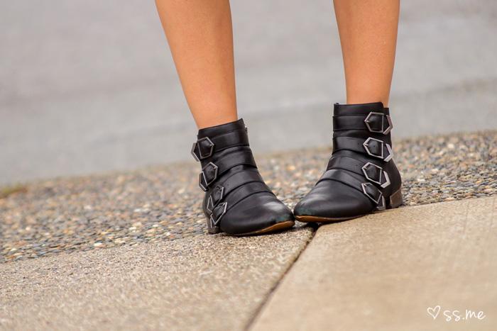 Vancouver Fashion Blogger, Alison Hutchinson, is wearing a Club Monaco Midi skirt, Zara black top and blazer, and Sam Edelman Boots
