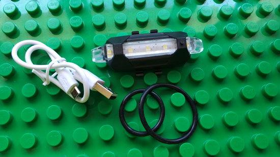 https://www.gearbest.com/bike-lights/pp_361005.html?wid=1433363&lkid=14006460