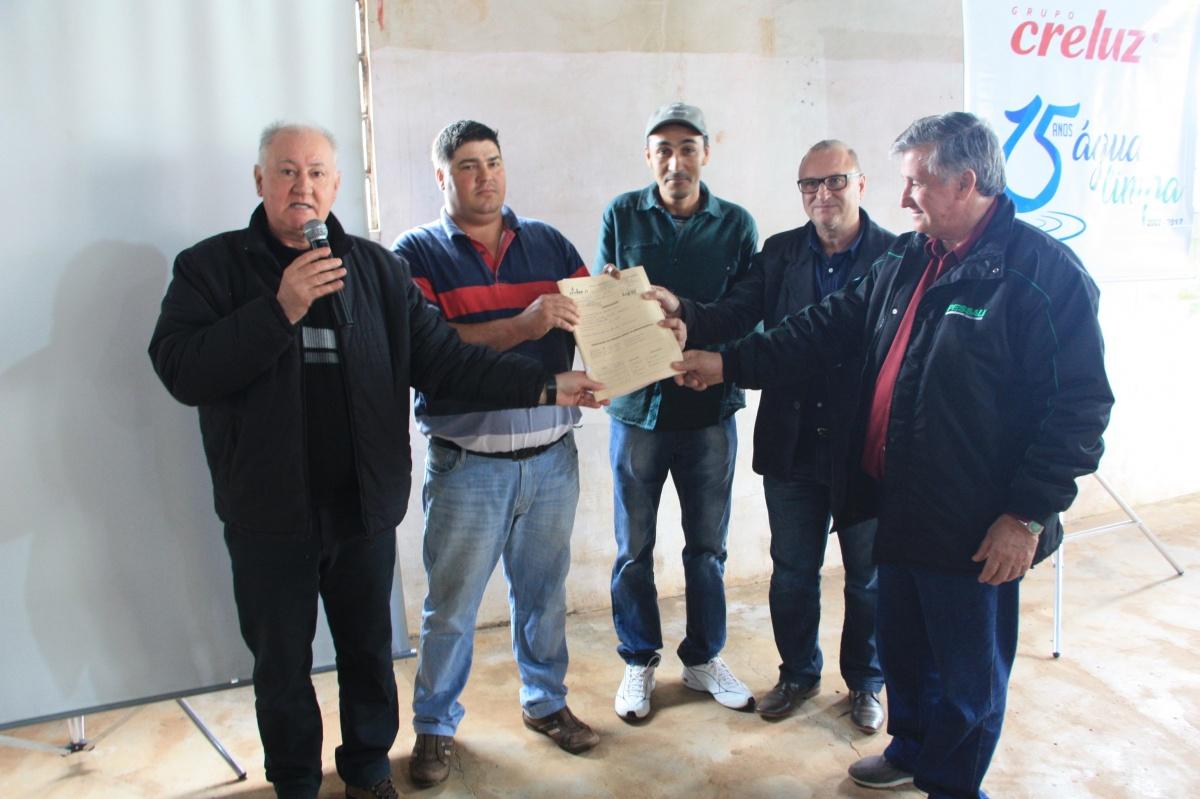 Comunidade da Linha Santa Barbara recebeu ação social do Grupo Creluz