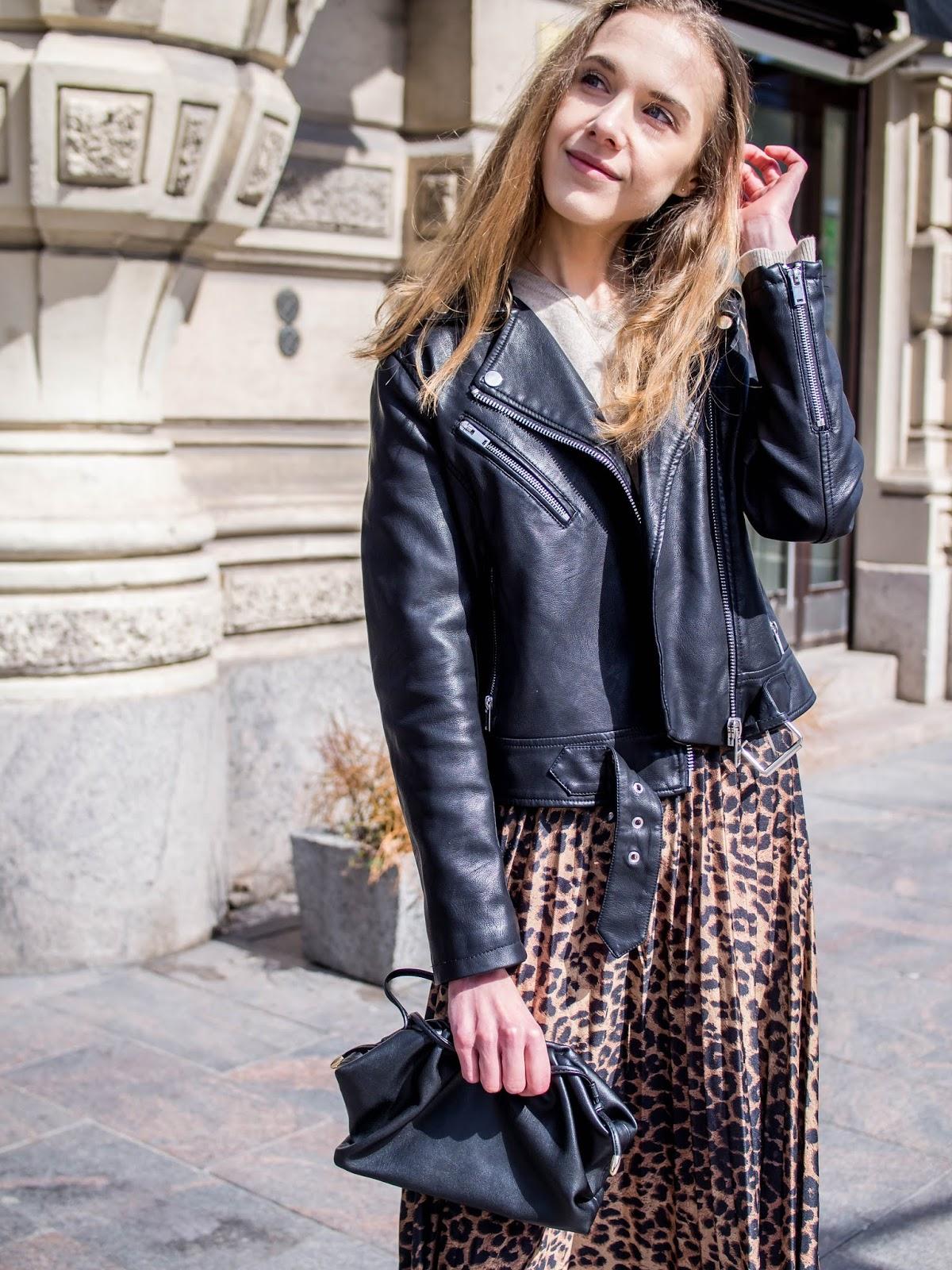Spring outfit with leopard print midi skirt - Kevätasu leopardihameen kanssa