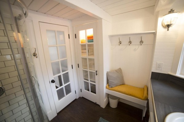 Tiny Home Designs: TINY HOUSE TOWN: Utah Income Tiny Home (192 Sq Ft
