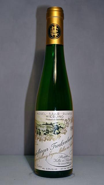 Egon Muller-Scharzhof Scharzhofberger Riesling Trockenbeerenauslese adalah wine atau anggur paling mahal di dunia