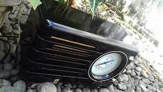 RADIO TABUNG PHILIPS KOMPAS