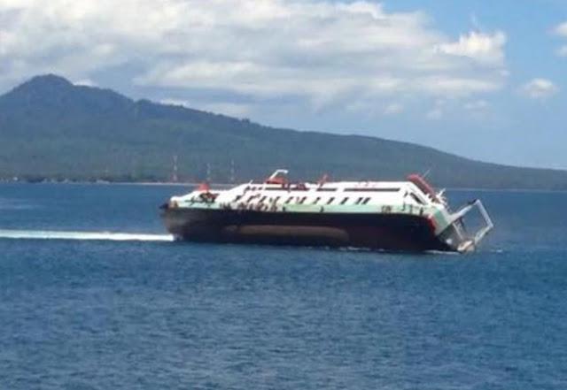Detik-detik tenggelamnya kapal Rafelia 2 di selat bali