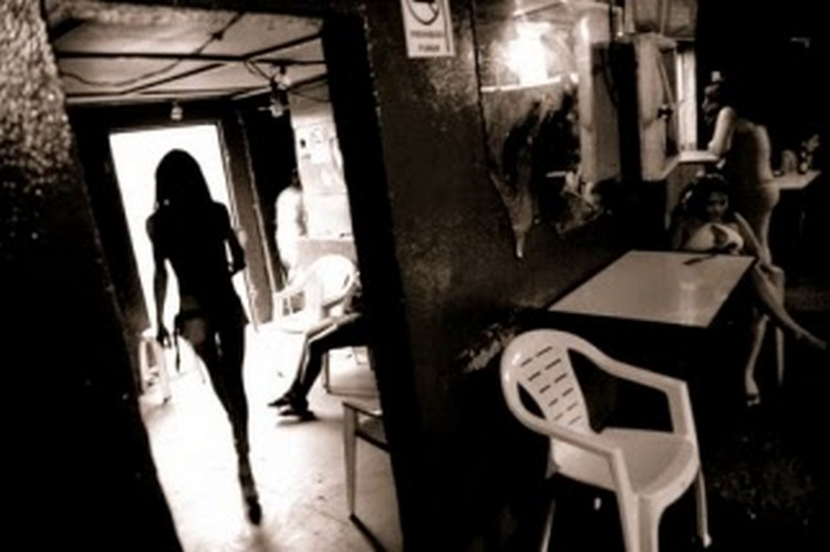 """""""Nos marcaban con la 'Z' para prostituirnos; Grecia, la mujer que fue vendida a """"Los Zetas"""""""