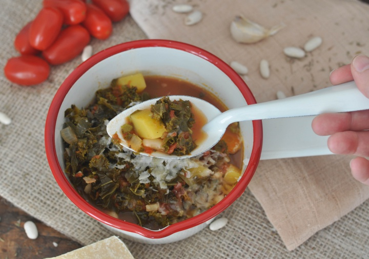 Ribollita with kale, warms your hands and heart