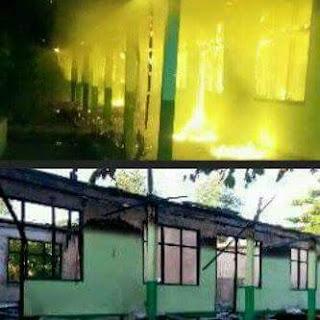 Gedung Sekolah MAS Al-Khairaat Tobelo yang dibakar Masa