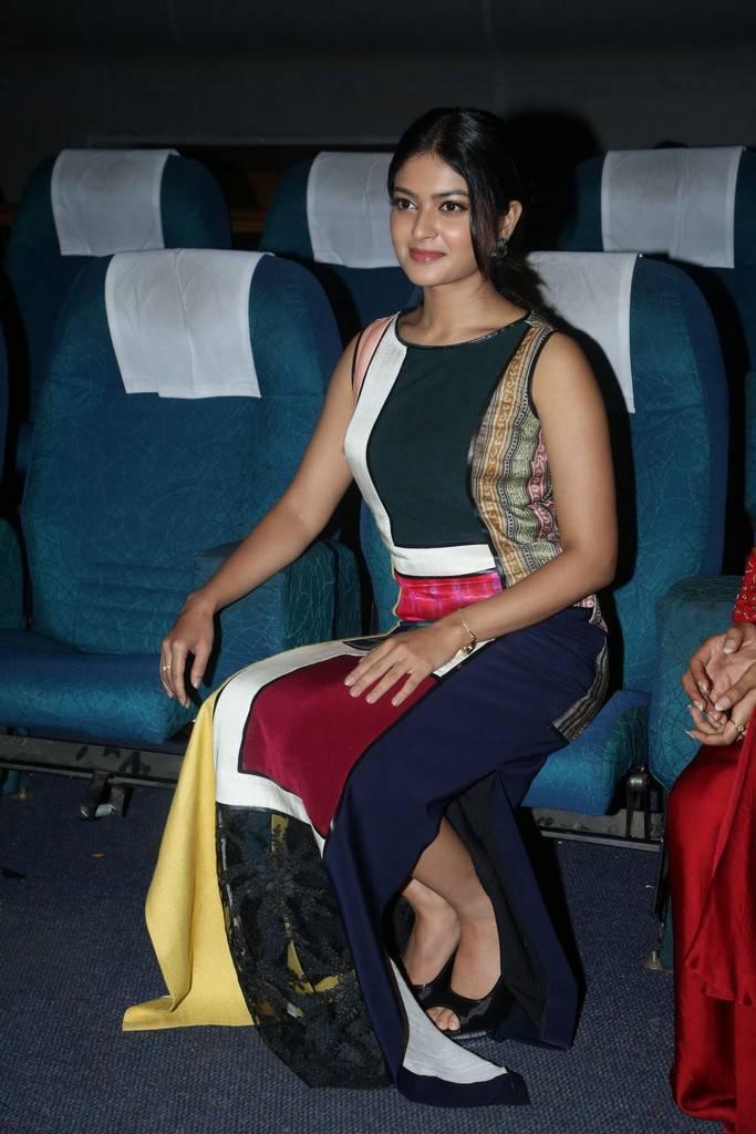 Vaibhavi At Next Nuvve Movie Trailer Launch Photo Gallery