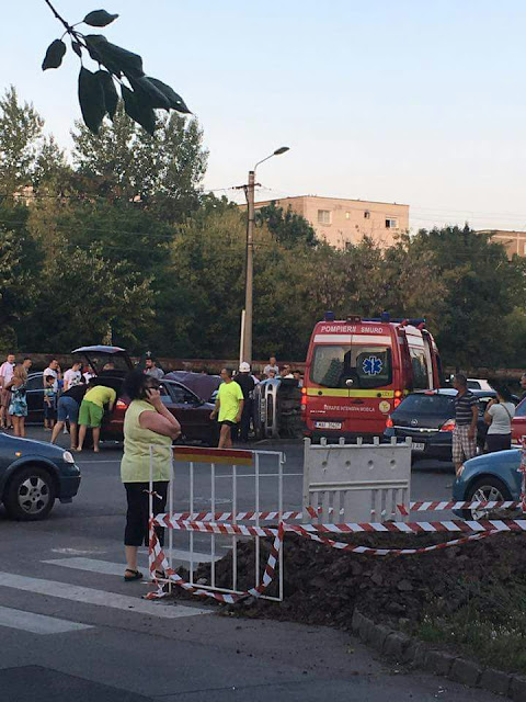 Arad: Accident violent în Micălaca, lângă Genesys.Matiz rasturnat pe linile de tramvai