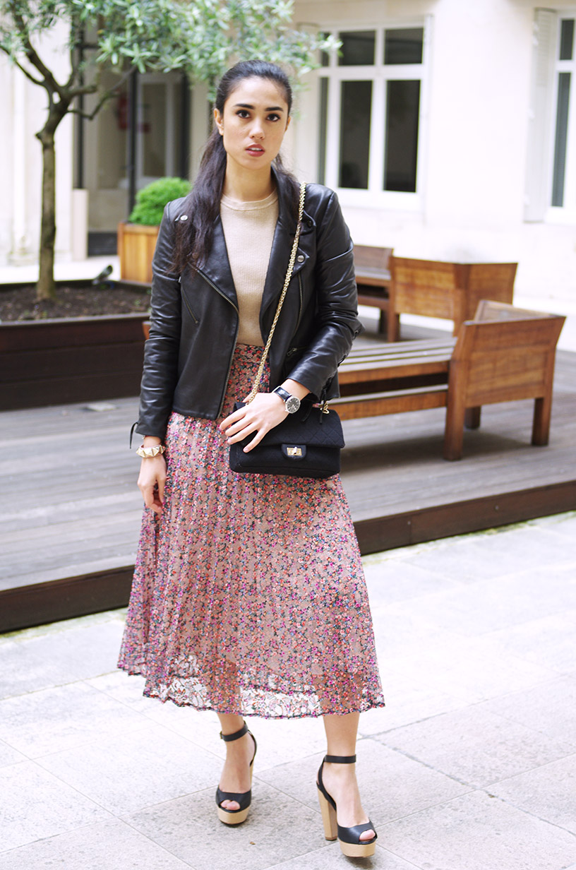 Elizabeth l Floral lace outfit l sandals leather lace up jacket Chanel bag Valentino bracelet flower skirt l THEDEETSONE l http://thedeetsone.blogspot.fr