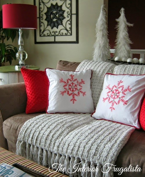 DIY Snowflake Toss Cushions using DecoArt Ink Effects™ kit After