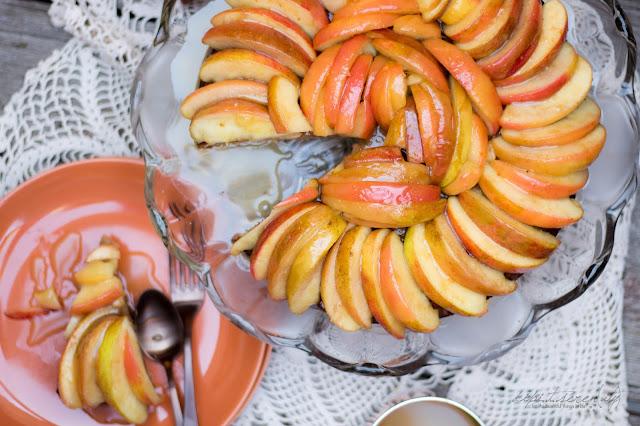 Apfelkuchen mit warmer Brandy-Karamell-Soße von dipitserenity