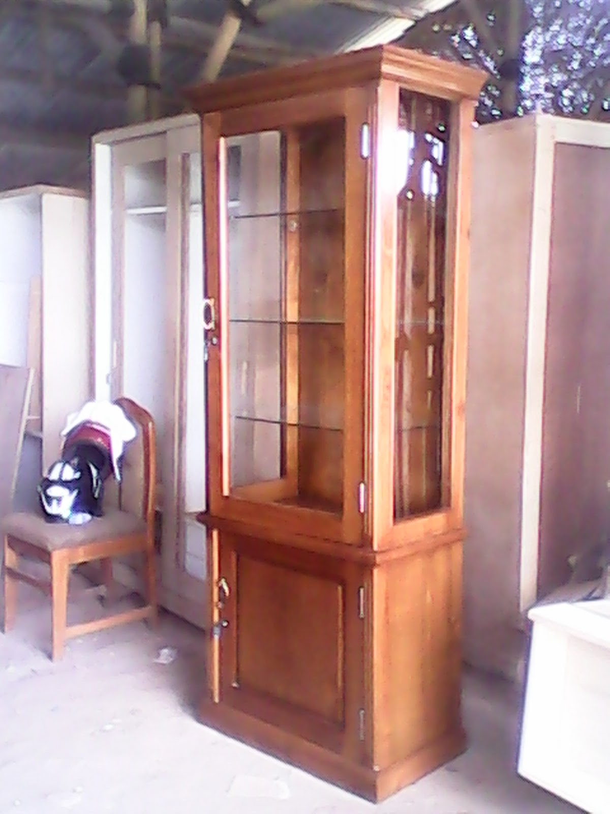 Hendri Design Furniture Depok Lemari Hias Buku