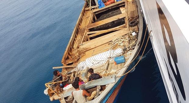 KN Belut Laut Bakamla Tangkap Kapal Muat Kabel Optik Ilegal