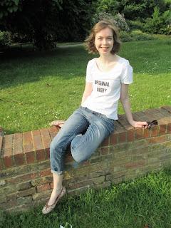http://ladysewalot.blogspot.co.uk/2016/06/original-digby-t-shirt.html
