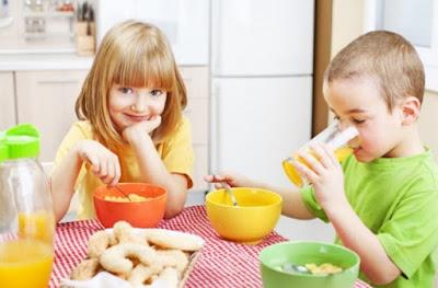 10 Manfaat Sarapan Bagi Anak Sekolah