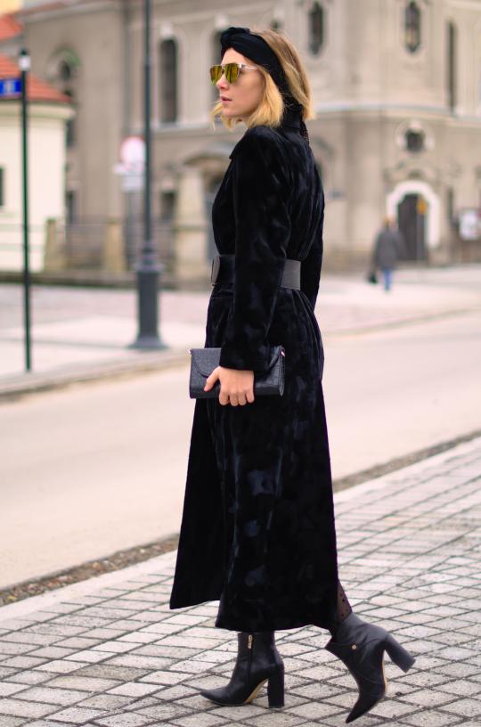 black total look; botki baldowski