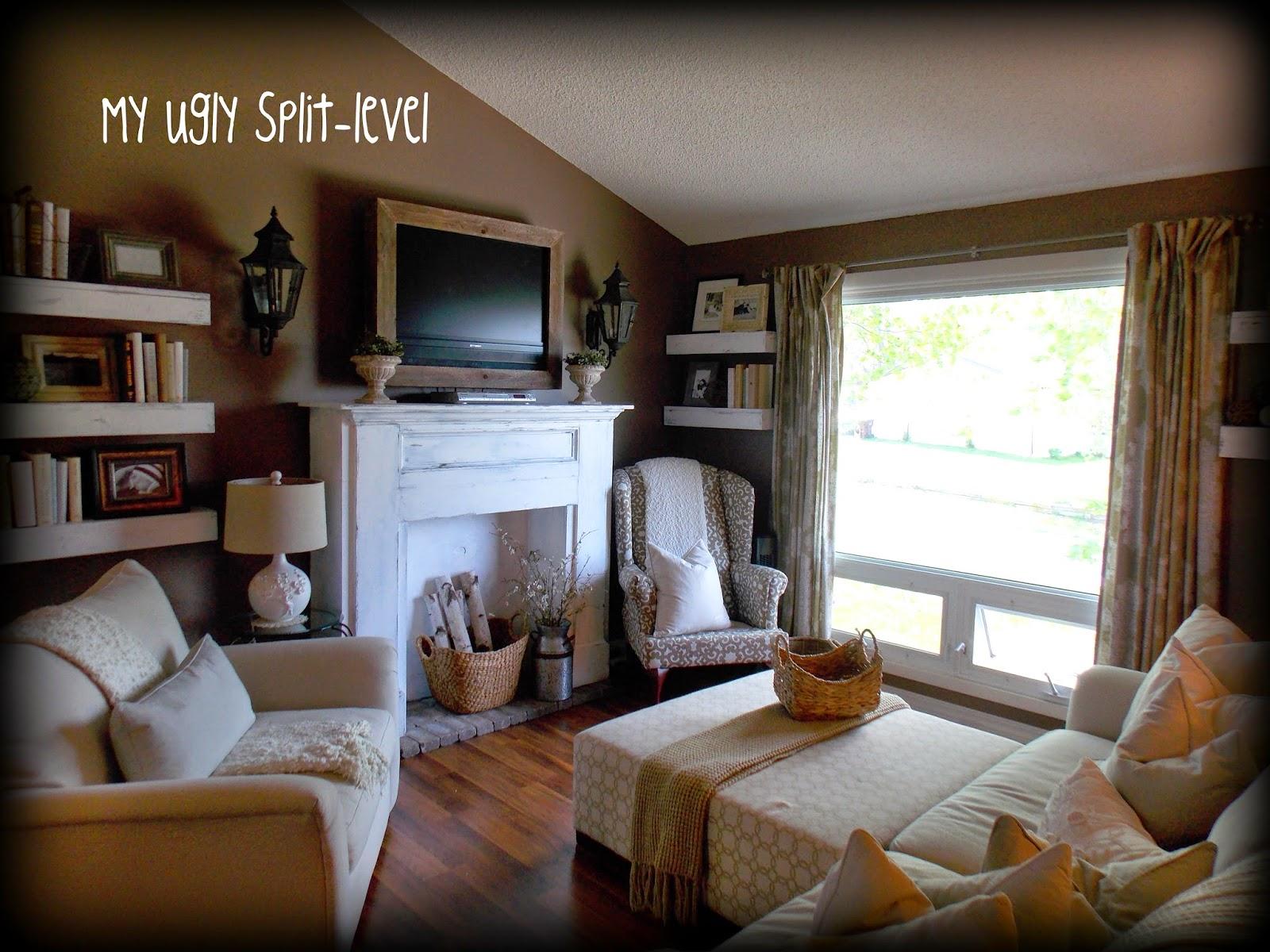 My Ugly Split-level: DIY Living Room Shelves