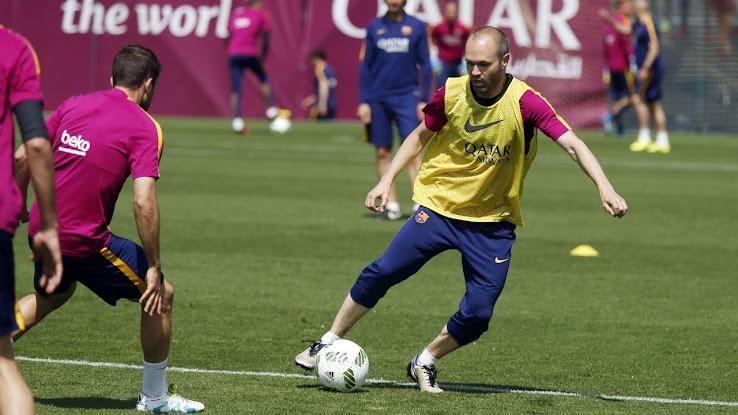 Barcelona and Sevilla Train With €50 Balls Ahead of Copa del Rey ... f40a34520e28d