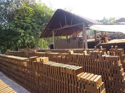 produsen batu bata merah