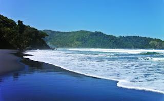 gambar Pantai Jolosutro