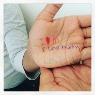 Pawan's daughter triple love for Mom!!
