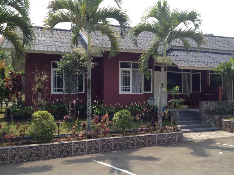Berlokasi Di Jalan Raya Hankam Jogjogan Cisarua Km 82 Puncak