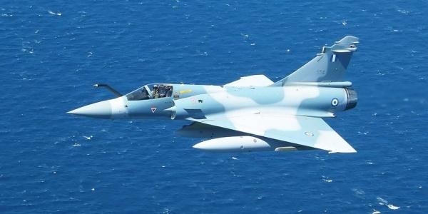 Πρωτοφανές: Το Mirage 2000EGM που έπεσε πλέει (!) προς την Εύβοια - Δεν συνετρίβη αλλά προσθαλασσώθηκε... μόνο του!