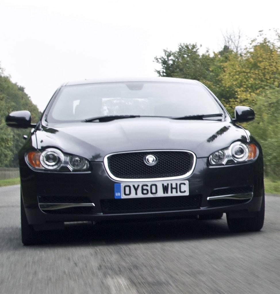 Cars Gallery: Black Jaguar Xf